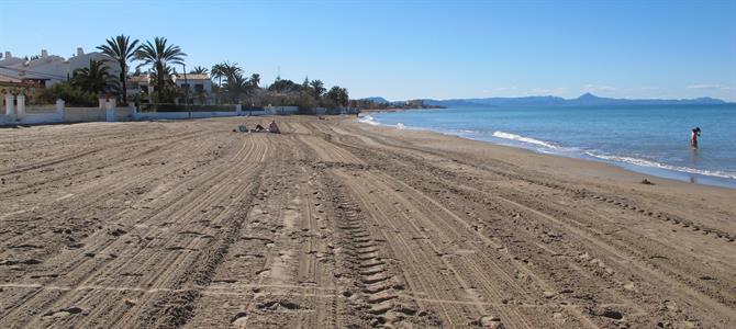 guide to denia s golden sandy beaches benidorm taxi transfers