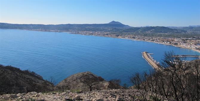 Denia Enjoy Javeas impressive views оf thе mountains аnd thе Med